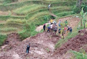 Bencana longsor di Bandung