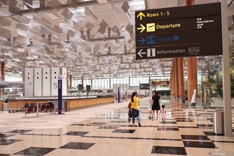 Suasana terminal 3 di Bandara Changi Singapura, Senin (7/12/2020). FOTO: Xinhua