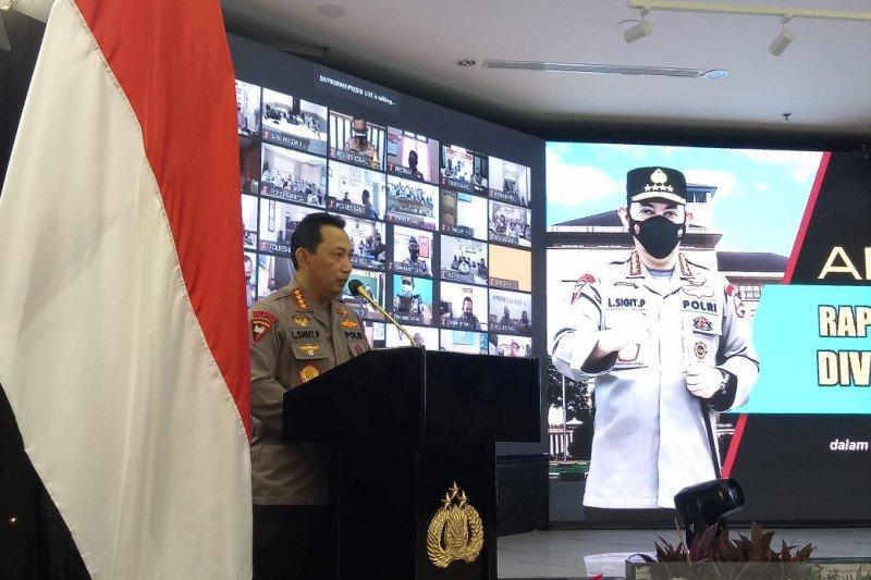 Kapolri Jendral Pol Listyo Sigit Prabowo memberikan arahan dalam Rakernis Propam Polri 2021 di Gedung Rupatama, Mabes Polri, Selasa (13/4/2021). Foto : Antara.