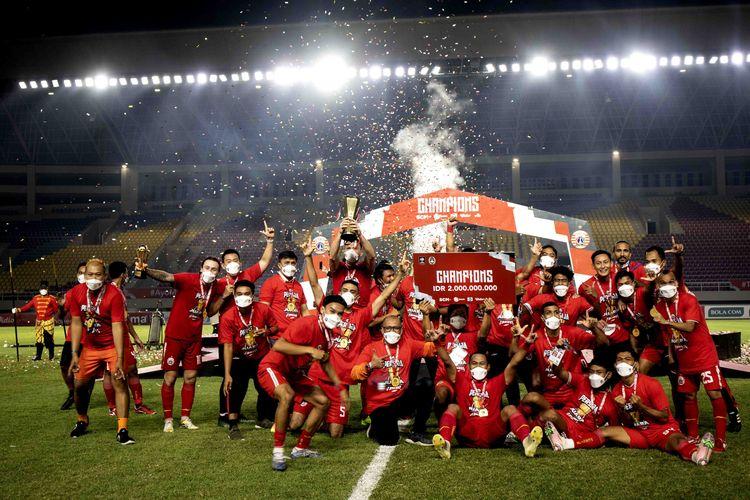 Tim Persija Jakarta berpesta usai jadi juara Piala Menpora. Foto : Kompas.com.