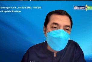 Spesialis Penyakit Dalam dan Konsultan Endokrin Metabolik dan Diabetes Siloam Hospitals Surabaya Dr. dr. Soebagijo Adi Soelistijo, SpPD-KEMD saat Bincang Sehat Bersama Siloam yang digelar secara virtual di Surabaya