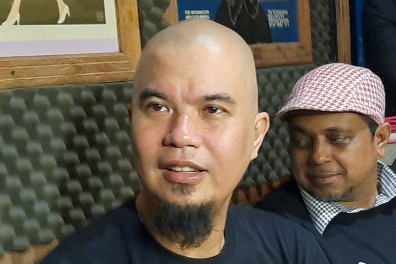 Musisi Ahmad Dhani dalam konferensi pers di Jakarta. Foto : Antara.