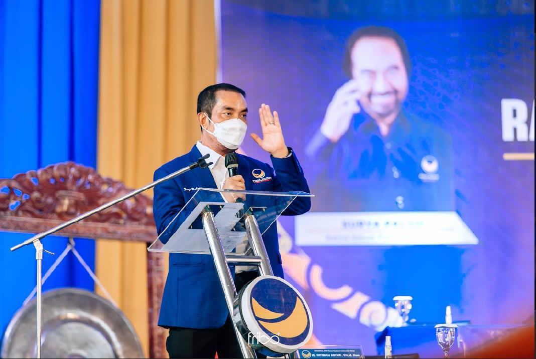 Anggota Komisi XI DPR-RI, Fauzi H Amro M,Si.