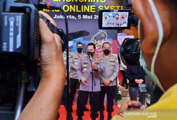 Kapolri Jenderal Pol Listyo Sigit Prabowo memberikan keterangan pers usai peluncuran aplikasi Binmas Online System Versi 2.0 (BOS V2) di Auditorium PTIK, Jakarta, Rabu (5/5/2021). Foto : Antara.