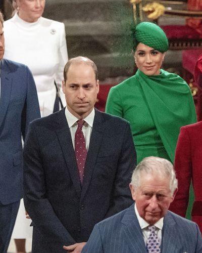 Pangeran Charles (depan), diikuti oleh Pangeran William dan Kate Middleton, lalu Pangeran Harry dan Meghan Markle, saat beranjak pulang dari Biara Westminster, London. Foto : AP